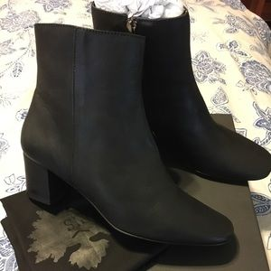 Nostrasantissima Luci Leather Ankle Bootie